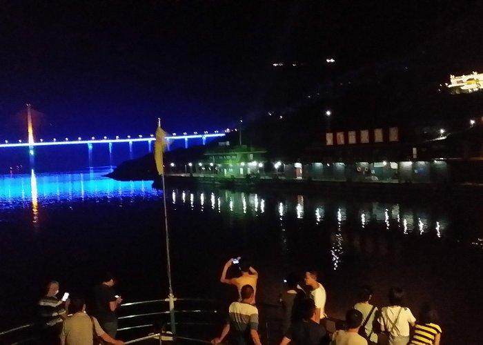 night view 张飞庙夜景