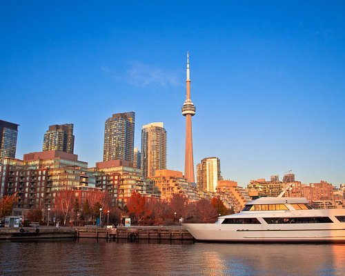 秋天的加拿大电视塔