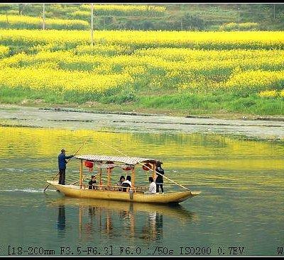 江中的小船