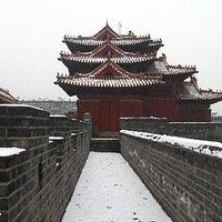 雪后的岱庙城墙