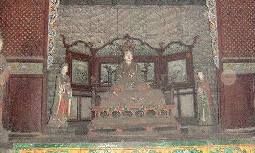 这个当然不是晋祠博物馆,是晋祠公园的圣母殿,也很有利的哦。