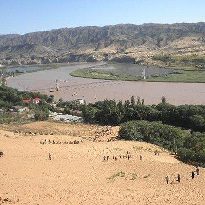 九曲黄河及沙丘