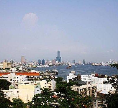 高雄港及85大楼