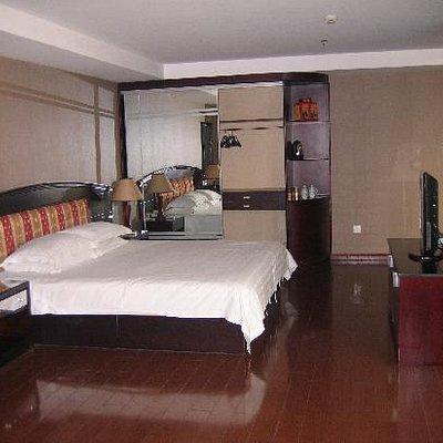 大别山旅馆套房8818