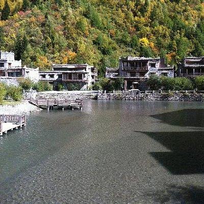 古城的小溪