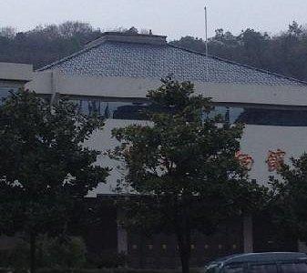 博物馆后面是虞山