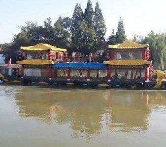 扬州运河边