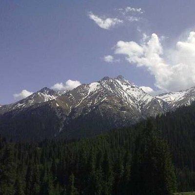 南山依稀可见的雪山,这个是夏天回家拍的!