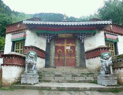 林芝布久喇嘛林寺