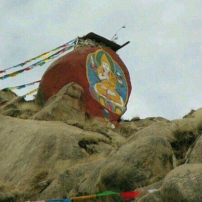 帕邦喀外的佛像