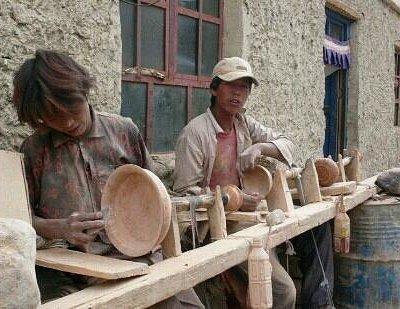普兰国际市场中的手工业者