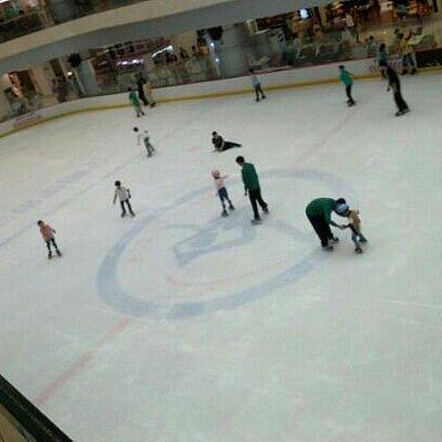 武广里的冰场