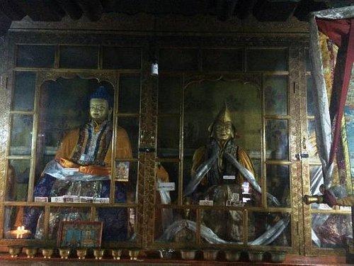 寺里的佛像
