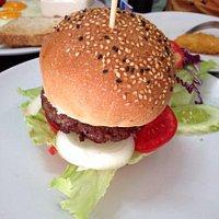 美味的牛肉汉堡!