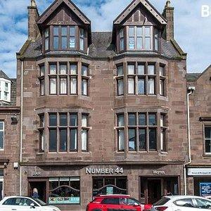 Number 44 Hotel & Bar