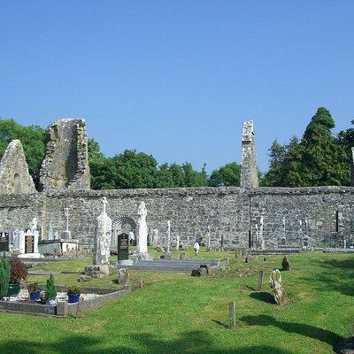 Dysert O'Dea Castle - Monastery