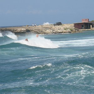 surfs up, Playa Canoa