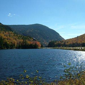 Lake at the foot of Mount Washington