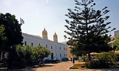 Panagia Ekatondapiliani Cathedral