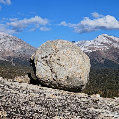 Erratic with Mt.Dana