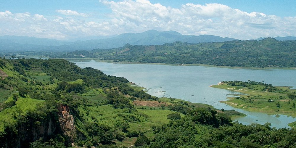 view of lake Suchitlan from the town