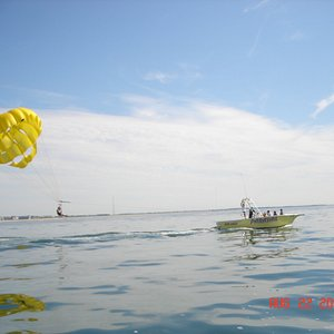 Hang Loose Parasail