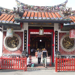 Entrance to the Cheng Hoon Teng Temple