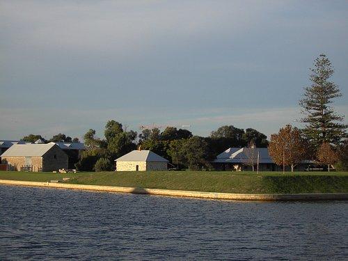 Sutton's Farm in Halls Head