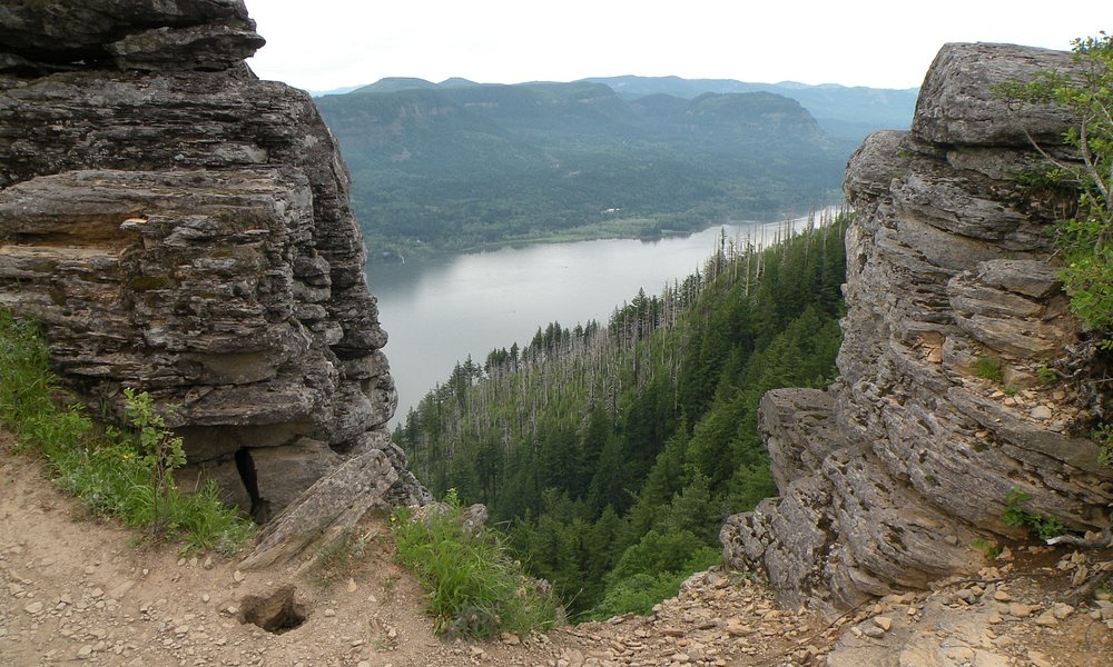 view of Columbia Gorge from Angel's Rest