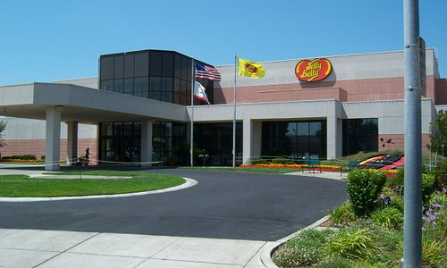 Front of the Jelly Belly Visitors Center