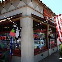 Dorothy's Chuck Wagon Cafe at the corner of Ventura and Palm in Camarillo