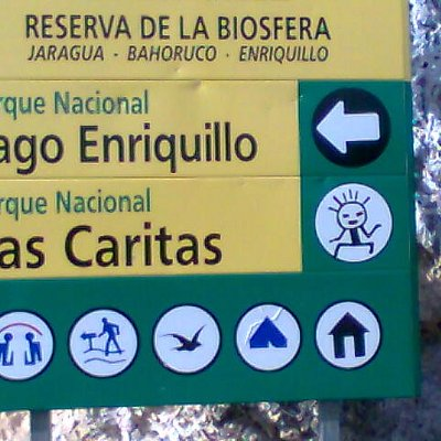 sign on the way to Las Caritas