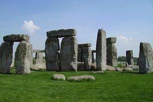 (nearby) Salisbury, Stonehenge