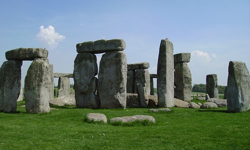 (nearby) Salisbury, Stonehenge