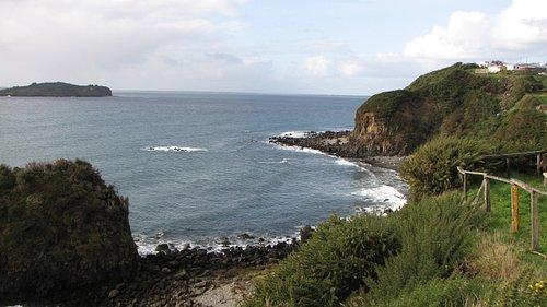Sector norte de la ciudad de Ancud, una vista de la isla Cochinos