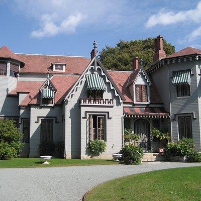 Kingscote - Front Entrance