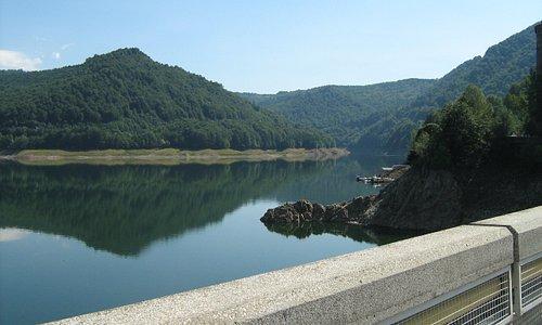 Lacul Vidraru (Vidraru Lake)