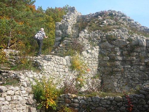 Man kann die Ruine Radegg erklimmen