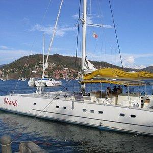Picante at Puerto Mio