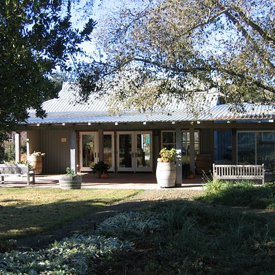 Tasting room from picnic area