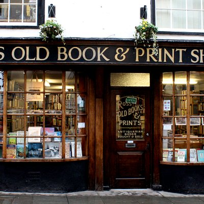 The shop front of Ross Old Books