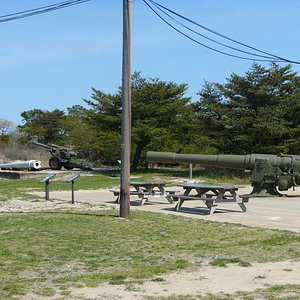 Artillery at Fort Miles