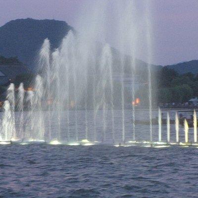 Westlake fountain show