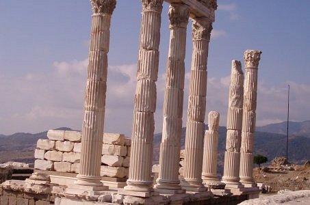 PERGAMON: Trajan Tempel, Temple of Trajan, templo de Trajan