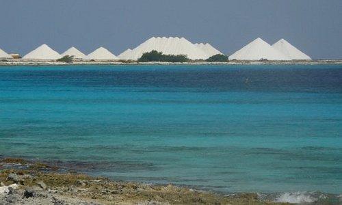 Bonaire - Salt Mountains