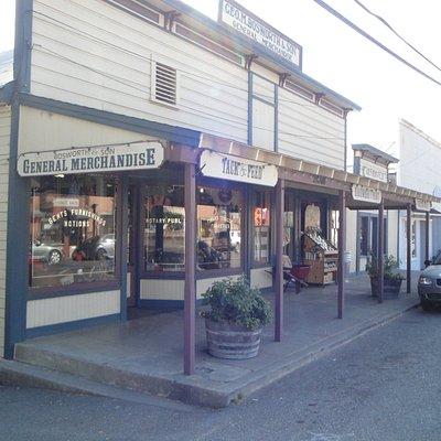 21060 Geyserville Ave