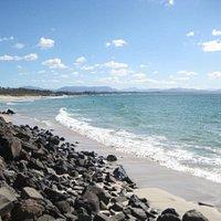 the main beach at byron
