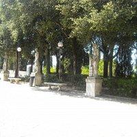Statue dei Giardini del Frontone, Perugia