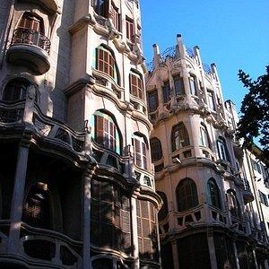 The splendid Modernista residence of Josep Casasayas (1908) in Plaça Mercat