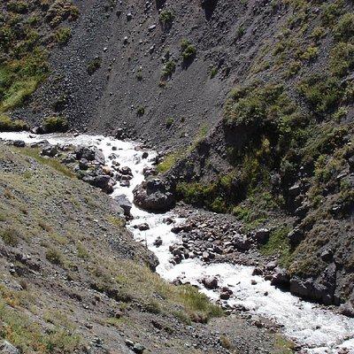Uno de los rios que cae del glaciar